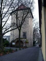 Der Bucksturm mit Johasnniskasten