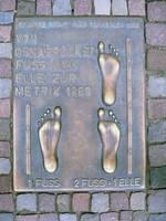Osnabrück, Stadtführung zu Fuß, Platte mit Maßeinheiten
